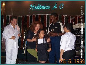 o baile de aniversário do prof. Cristiano Salgado no Helênico A.C. foi um sucesso, contando com a presença de Beth Carvalho e do compositor Marquinho PQD. Beth cantou ao vivo