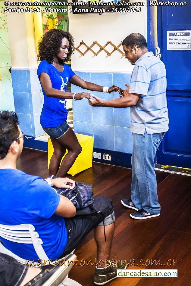 O DVD com vídeo aula de Samba Rock do prof. Moskito está a venda em: www.dancadesalao.com/loja