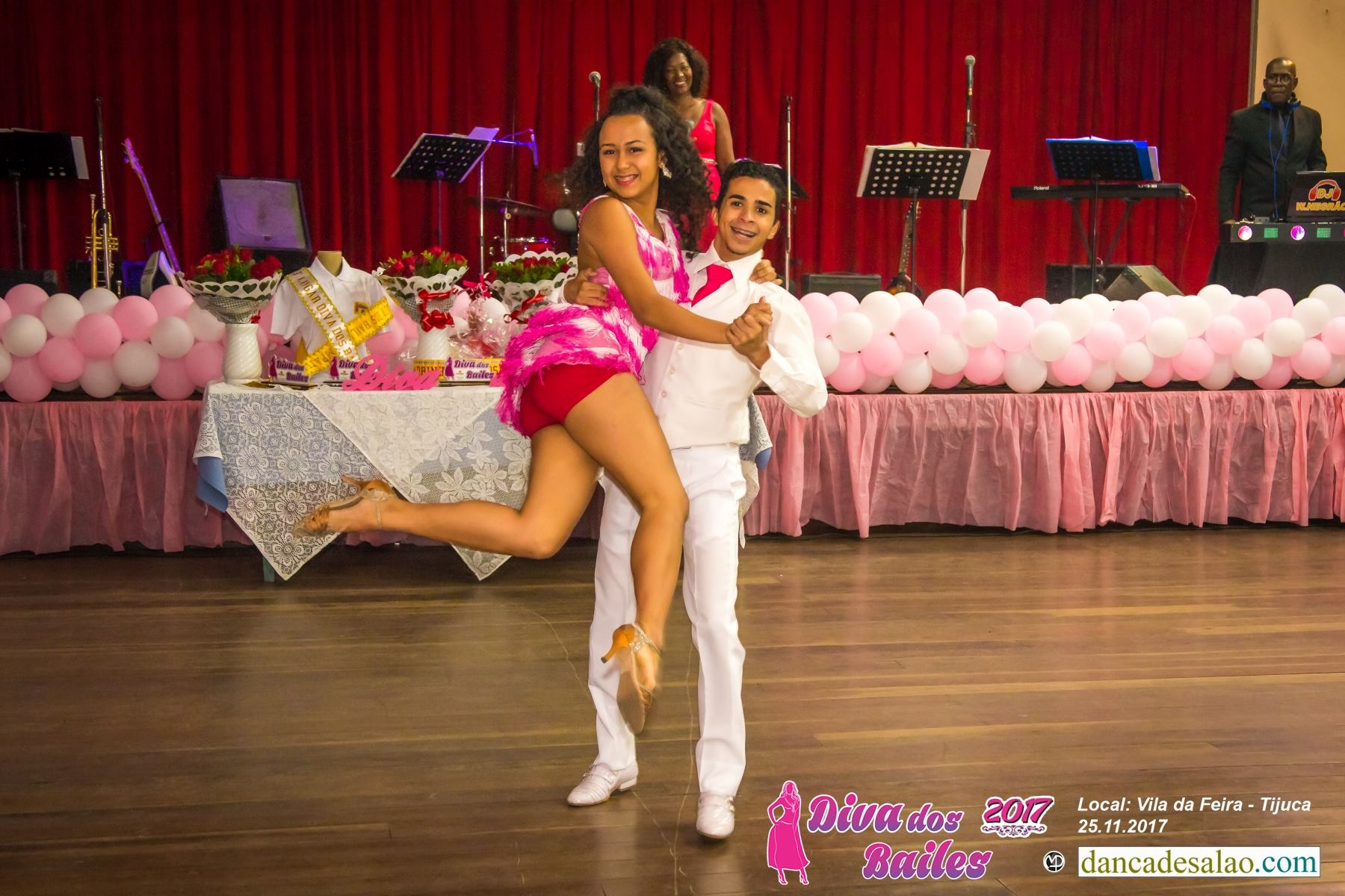 Concurso e baile Diva dos Bailes. Promoter Erosampaio Sampaio - Fotos: dancadesalao.com - www.marcoantonioperna.com.br Banda Milênio. Dj W. Negrão.